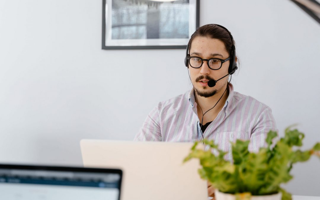 How Your Business Can Outsource Customer Service