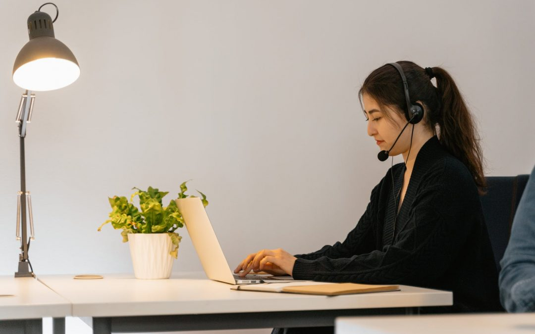 4 Things That Cause Call Center Stress and How to Fix Them